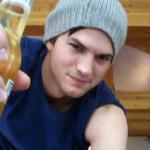 Who is drink Corona? photo