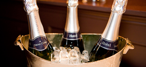 How long should you chill Champagne? photo