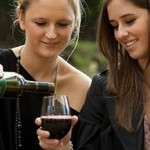 PET continues to be most popular alternative to glass for wine bottles photo