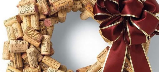 Make a Christmas Wreath from Cork photo