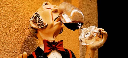 Should we listen to wine critics? photo