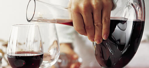 When should you decant or aerate a wine? photo