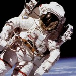 Astronauts' drink of choice should be red wine photo