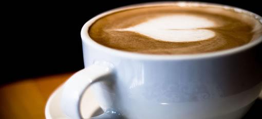 "Hot drinks could keep ""superbug"" away photo"