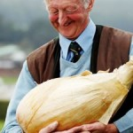 British pensioner grows world's heaviest onion photo