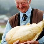 British pensioner grows world's heaviest onion photo
