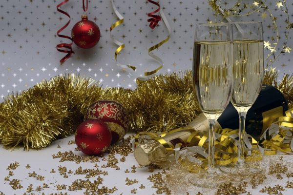 How to Choose the Perfect Bottle of Fizz for New Years photo