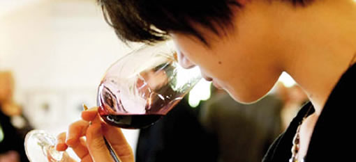 China prefers red to white wine, but Americans like it all photo