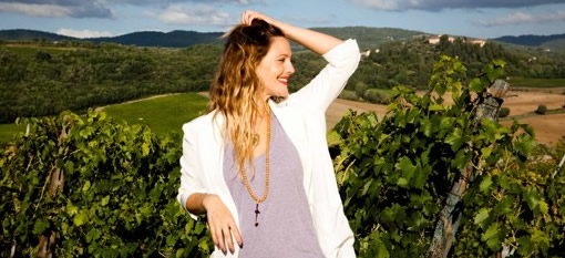 Drew Barrymore Sings To Us About Wine photo