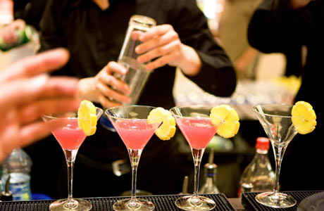 Four Drinks Bartenders Hate To Make photo