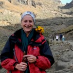 A hundred sky hikers strike out against cancer for well-loved wine writer photo