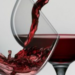 If you are overweight, red wine won`t benefit you photo