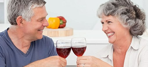 Two glasses of wine a day for middle-aged adults makes your life better photo