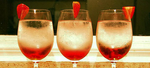 3 Wine cocktails that offer a sophisticated twist photo