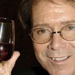 Gordon Ramsay tests Cliff Richard`s wine knowledge photo
