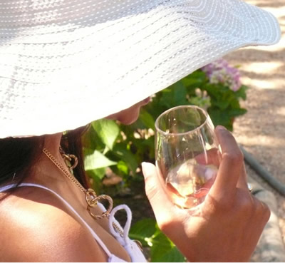 5 Tips For Summer Wine Drinking photo