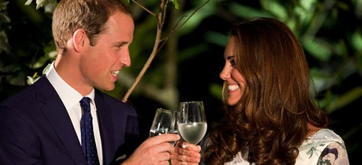 The Royals to toast the birth of their heir with Champagne from hospital bed photo