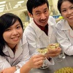 Scientists smell success with durian wine photo