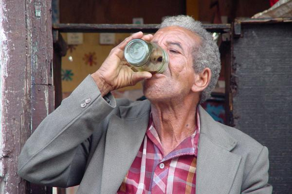 Older People More Immune To Alcoholic Hangovers, Study Finds photo