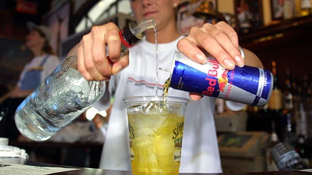 Just how harmful are energy drinks mixed with alcohol? photo