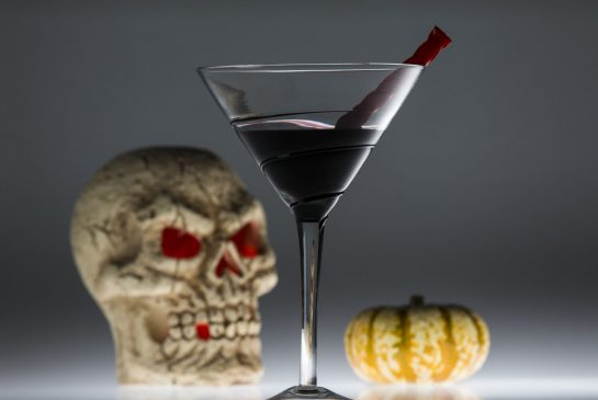 2 Classic Creepy Cocktails For Halloween photo