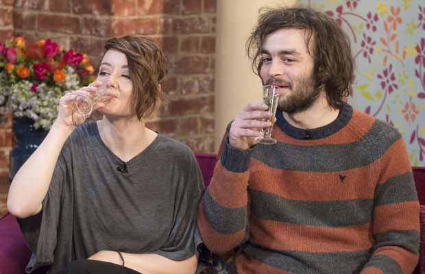 UK Couple Drinks Own Pee To Treat Depression, Brighten Eyes, And Clear Skin photo