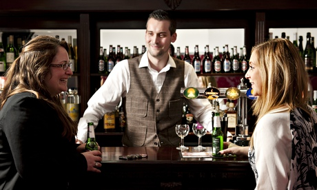 Fake pub will test drinking habits in South Bank University study photo