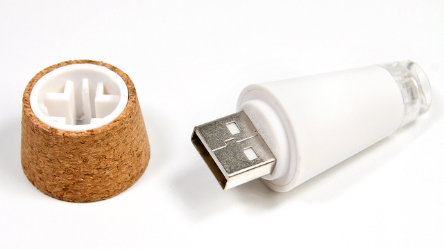 A Rechargeable LED Cork That Turns Empty Bottles Into Lamps photo