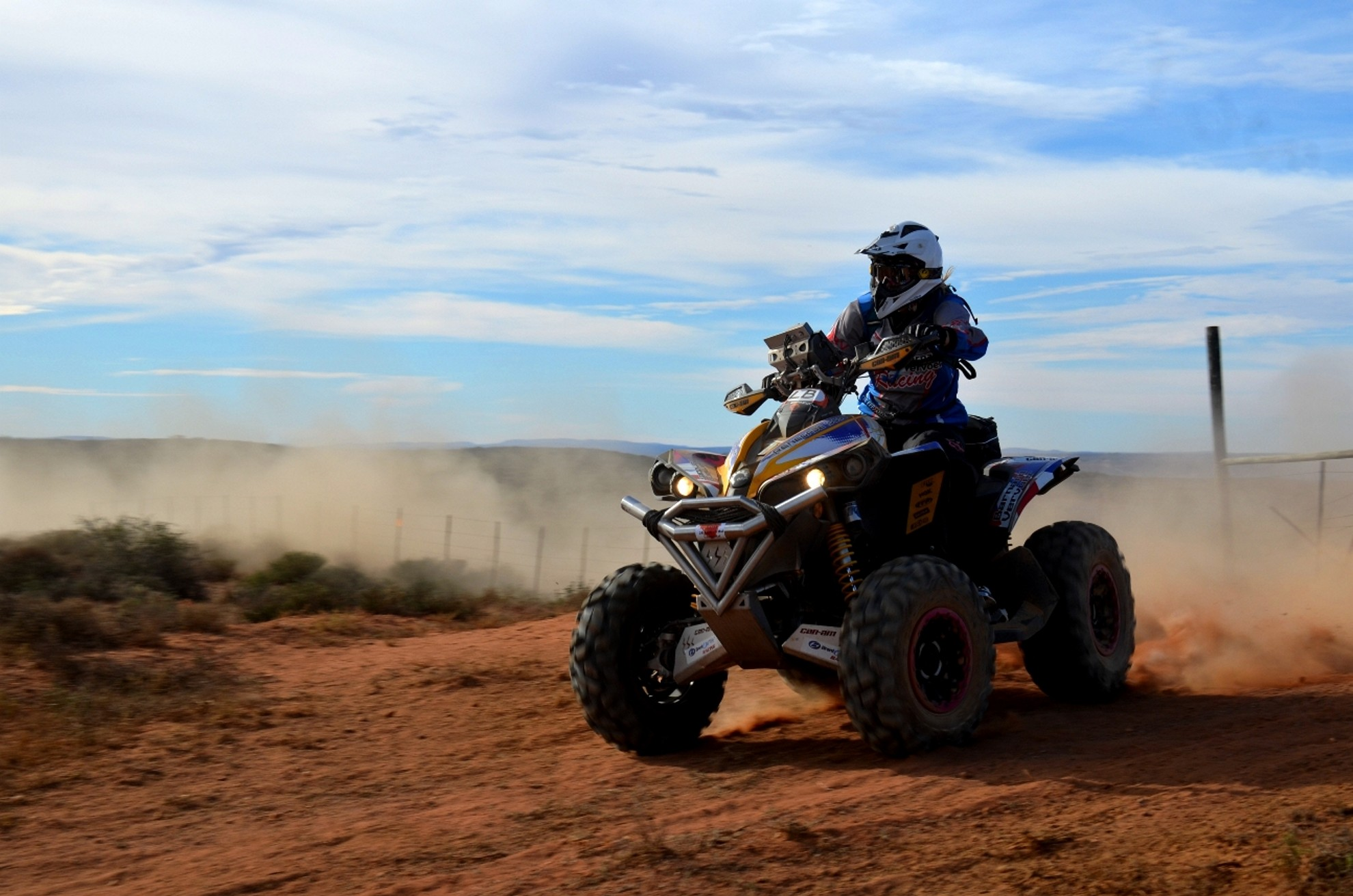 South Africa Dakar Rally Hero Brett Cummings Leads Namaqua African Rally photo