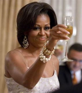 michelle obama drinking 5 First Ladies to share a glass of wine with