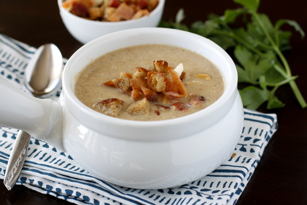 Roasted Cauliflower Soup With Bacon photo