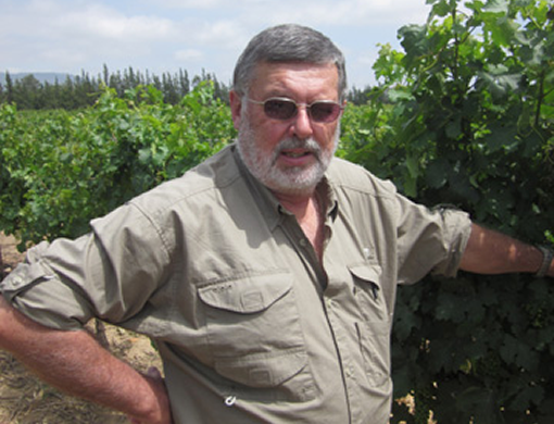 Well-know Viticulturist retires after 41 years in the industry photo