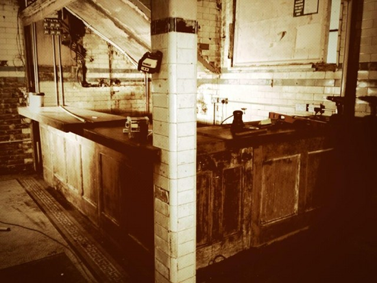 Wine bar to open in old public toilet photo