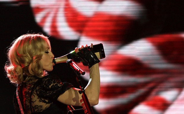 From Moscato to tequila: what do pop and rock stars drink? photo