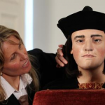 King Richard III drank at least one bottle of wine a day photo