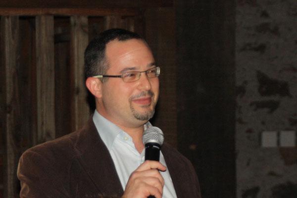 JetBlue Announces Its Own Wine Expert, Jon Bonne photo