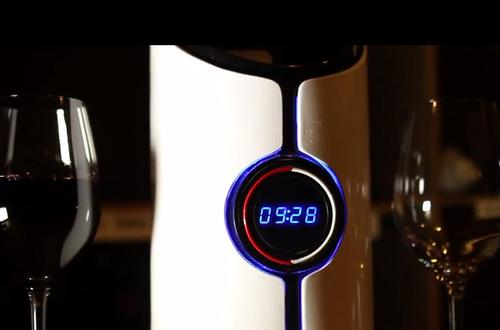 This Decanter Uses Sound Waves to Make Your Wine Taste Better photo