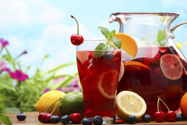 Beat the heat with this classic Spanish Sangria recipe photo