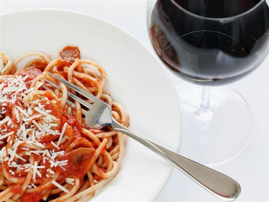 The Right Wine to Pair with Your Favorite Comfort Foods photo