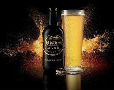 Discover the pure gold, full flavoured refreshment of Savanna Dark photo