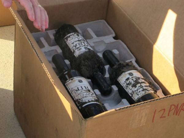 Feds worry about undersea wine photo