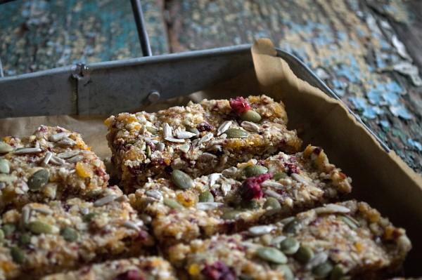 Quinoa, fruit and nut breakfast bars photo
