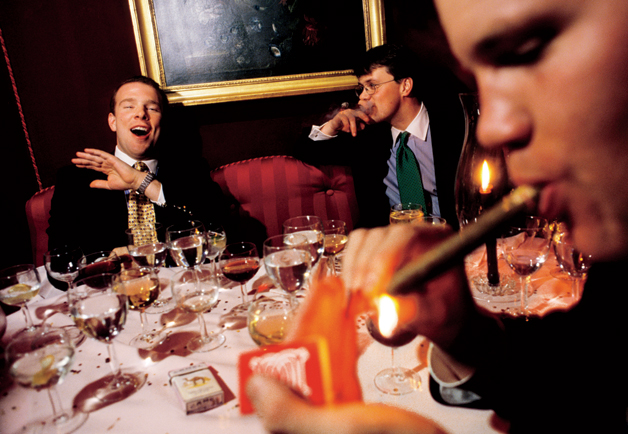 Rich, educated men drink the most, study says photo