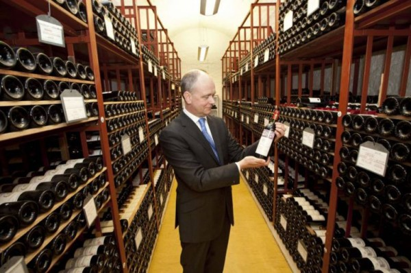 The UK Goverment consumed 5,390 bottles of wine last year photo