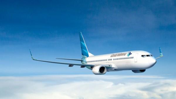 Flight attendant injured after on-board wine chiller explodes photo