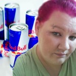 Woman is going blind after drinking 28 cans of Red Bull a day photo