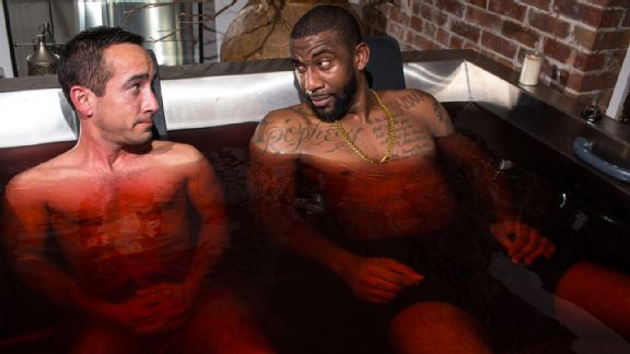 Would you take a bath in red wine for your health? photo