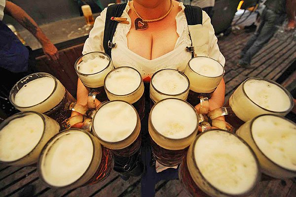 A new study suggests women should drink more beer photo