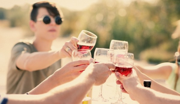Your long-weekend wine drinking guide photo