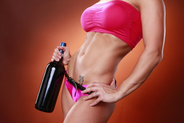 Pass the Merlot please! 2 Glasses of Wine Before Bed Helps You Lose Weight photo